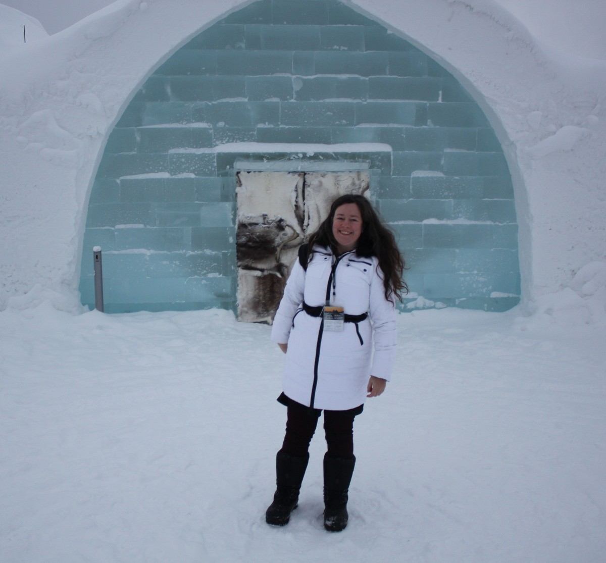Looking sketchy and cold outside the Ice Hotel. Just before I got my snowsuit and snowboots - no cold can get me now!