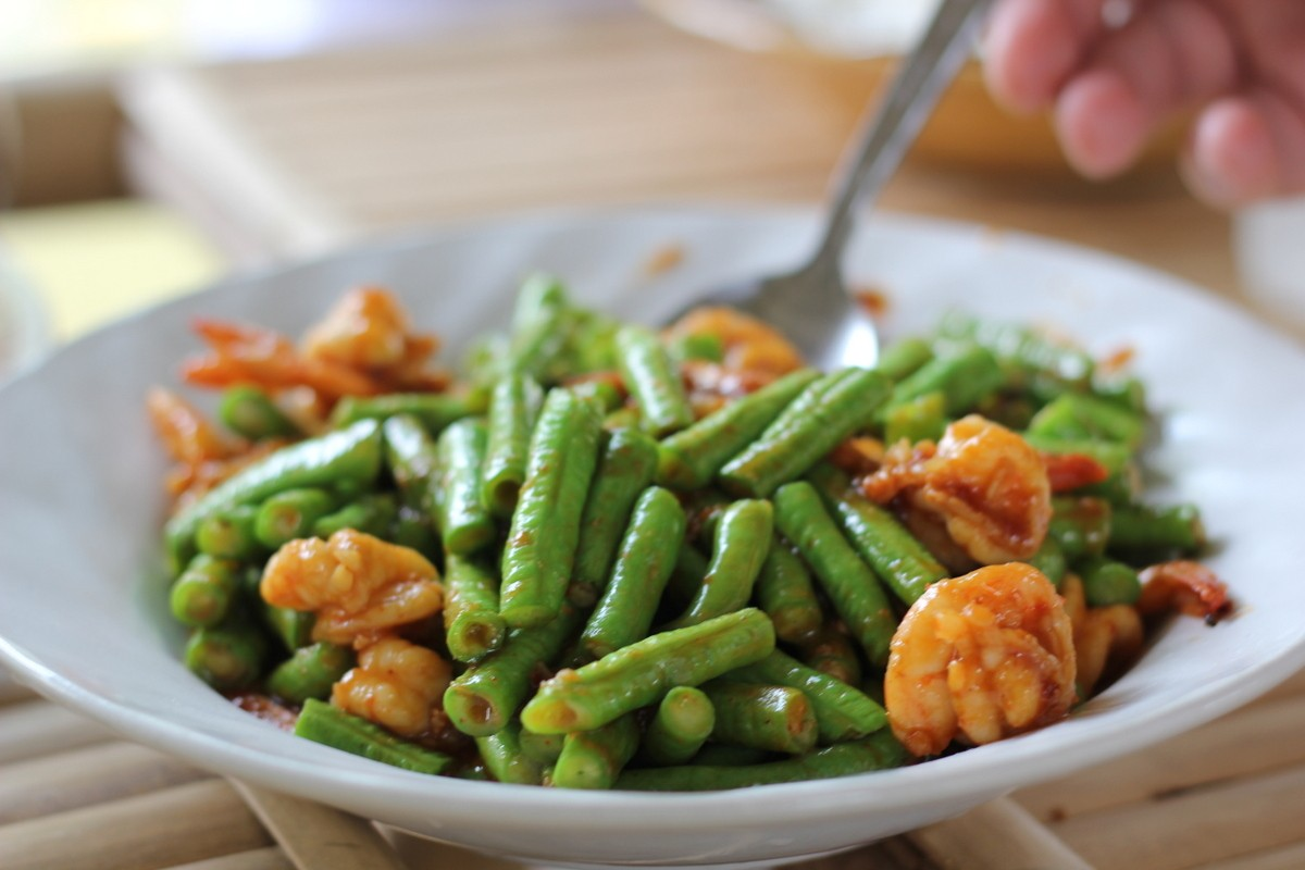 Prawns with beans