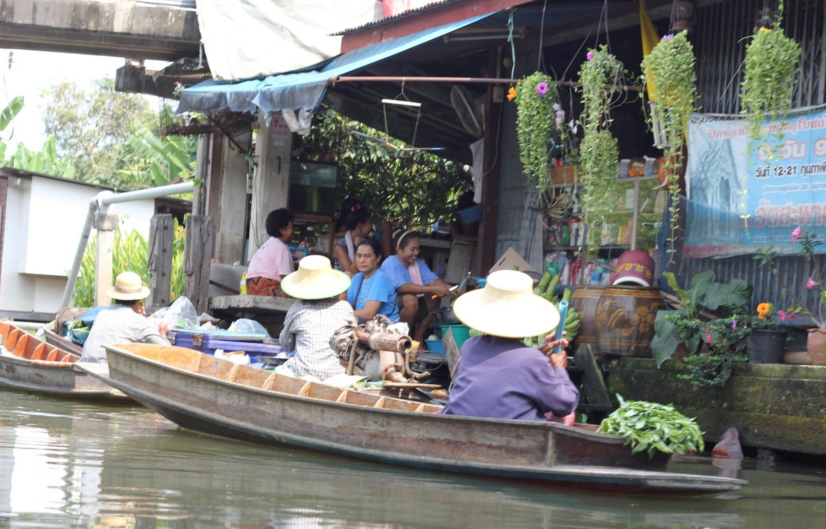A canal scene from the journey back to Bangkok