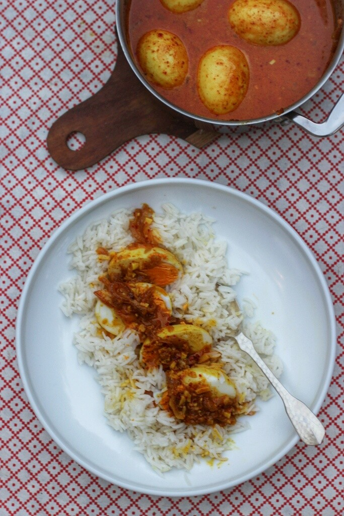 Caramelised Onion, Egg & Coconut Curry