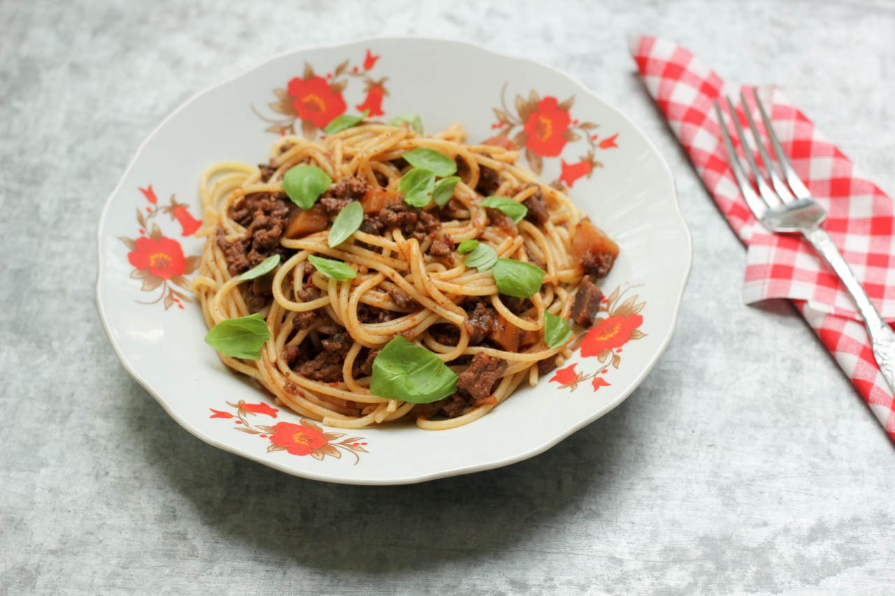 Spaghetti with BLack Garlic and Beef Ragu - Recipe