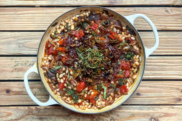 Baked Seaweed Beans (Haricot Beans with Tomatoes, Seaweed and Balsamic Onions)